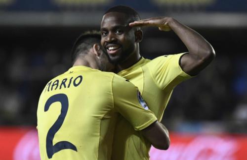 Brasileiro Douglas marca, mas Sporting Gijón perde para o Villarreal