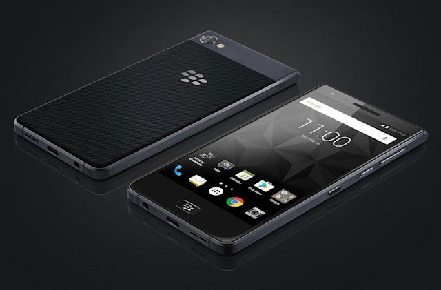 BlackBerry Motion arrives with no keyboard and a giant battery