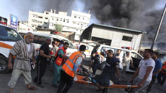 Shells hit UN school in Gaza, kills 15