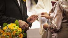 This Couple in Their 80s Met and Got Married in Retirement Home, Proving It's Never too Late for Love