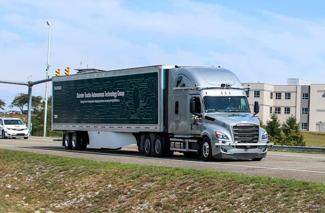 Daimler starts testing self-driving trucks on public roads