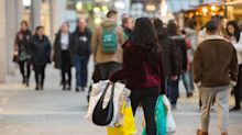 Small retailers lure shoppers with Small Business Saturday