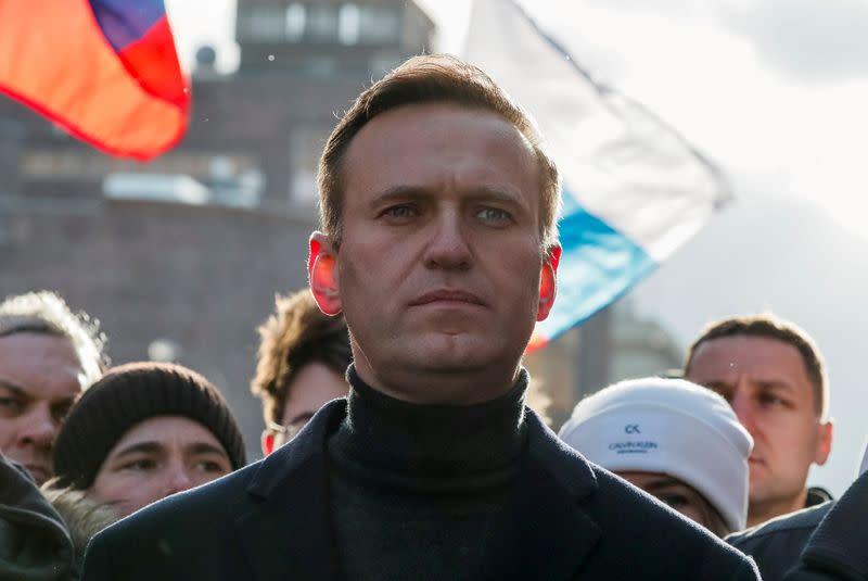 Senior U.S. lawmakers ask Trump to investigate Navalny poisoning