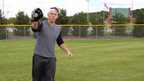 Baseball tips: How to catch a fly ball with Logan Morrison