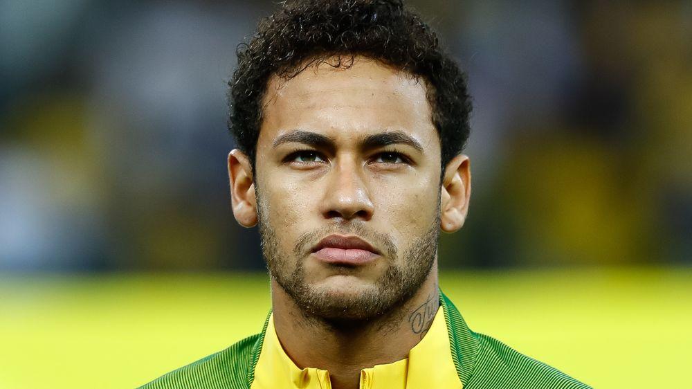 """Neymar contesta con ironía a un jugador del Santos: """"Te puedo mandar algunos vídeos de goles"""""""