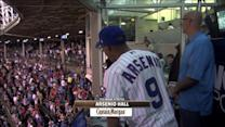Arsenio Hall sings seventh-inning stretch at Wrigley