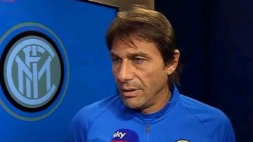 """Inter, Conte: """"Qui tanti non sanno che cammino porta a vincere"""". E su Agnelli lascia la postazione"""