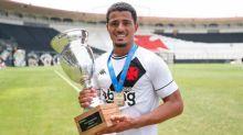 Autor de assistência na final, volante do Vasco celebra título da Taça Guanabara sub-20: 'Inexplicável'