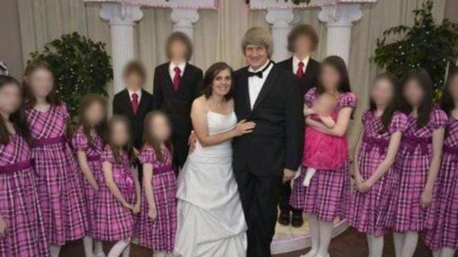 Padres de 'casa del horror' se declaran culpables