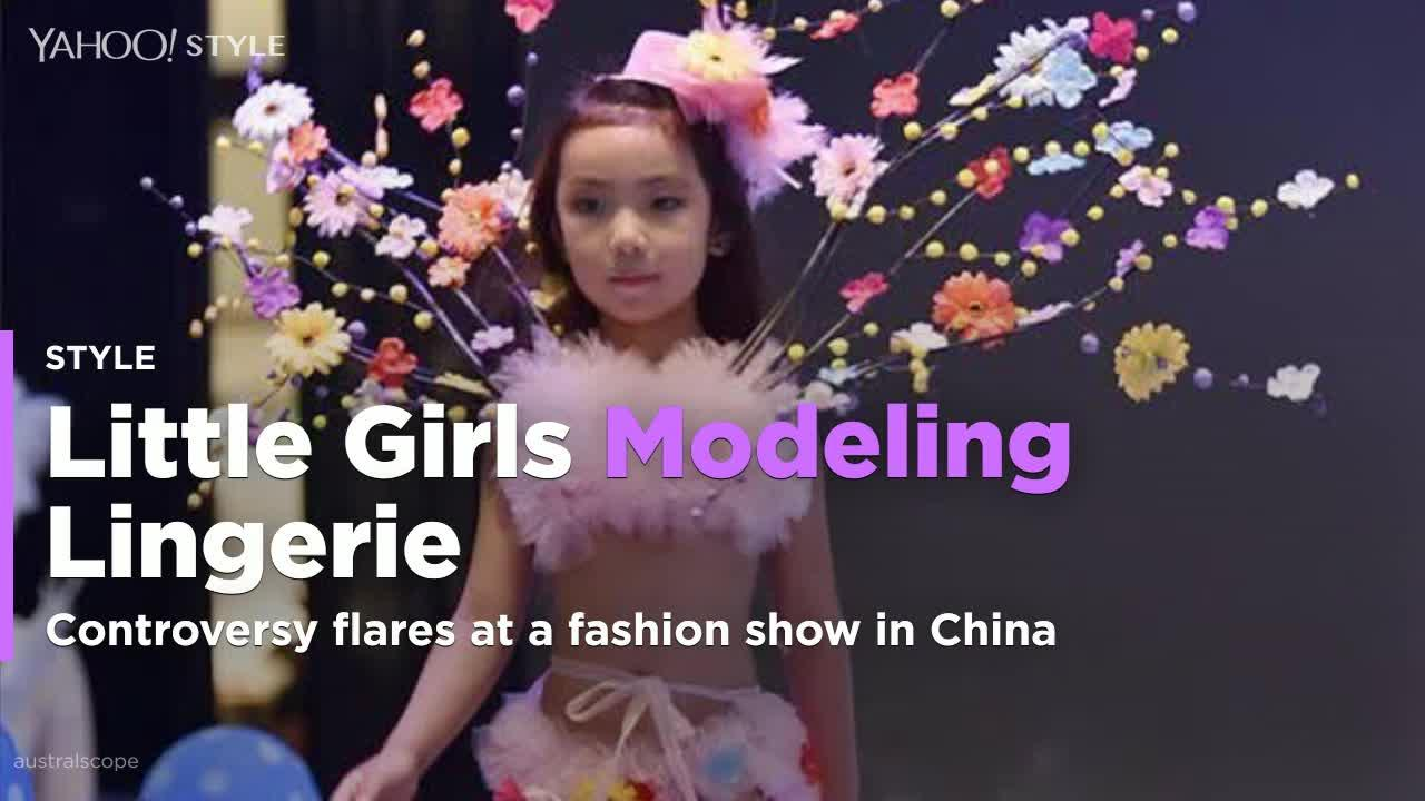 buying cheap new style fashion style Little girls model lingerie in 'Victoria's Secret'-style show
