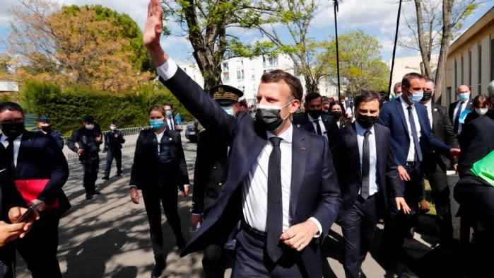 VIDEOS. Emmanuel Macron hué lors de sa visite à Montpellier sur le thème de la sécurité