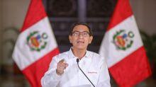 Crisis peruana: grabaciones, militares, secretarias y un histriónico cantante