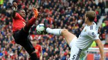 Ferguson's United return spoiled as Wolves earn draw