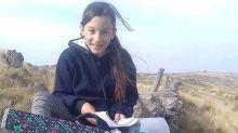 La niña que caminaba tres kilometros para poder conectarse a internet y estudiar a la intemperie