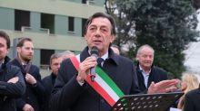 """""""Momento difficile per mia figlia. Nella vita bisogna scegliere le priorità"""". Il sindaco di Padova depone la fascia"""