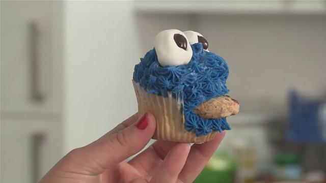 How To Make A Cookie Monster Cupcake