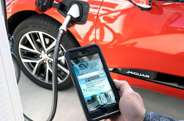 EVgo's 'roaming' deals give you access to 450 more fast chargers