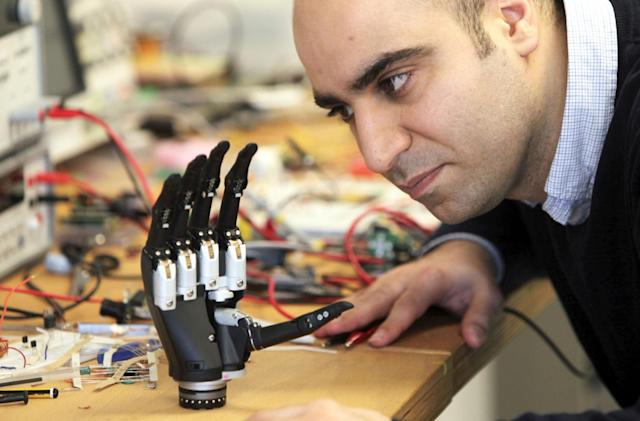 'Intuitive' prosthetic hand sees what it's touching