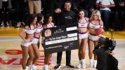 Lakers fan banks in $100K half-court shot