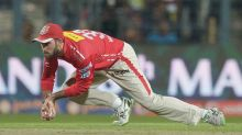 IPL 2017: KXIPvs GL, SK Play of the Day, Maxwell holds on to one at the boundary to end Raina's innings