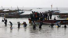 Après le naufrage d'une pirogue au large du Sénégal, un rescapé témoigne