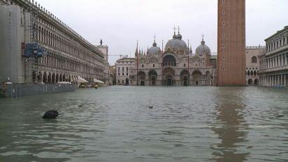 De Micheli: priorità è ripristinare la normalità a Venezia