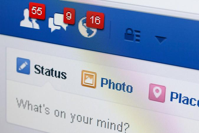 Facebook test highlights what your friends are talking about