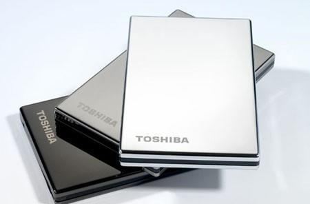 Toshiba updates STOR.E external HDDs to USB 3.0, sees no lightning and hears no thunder