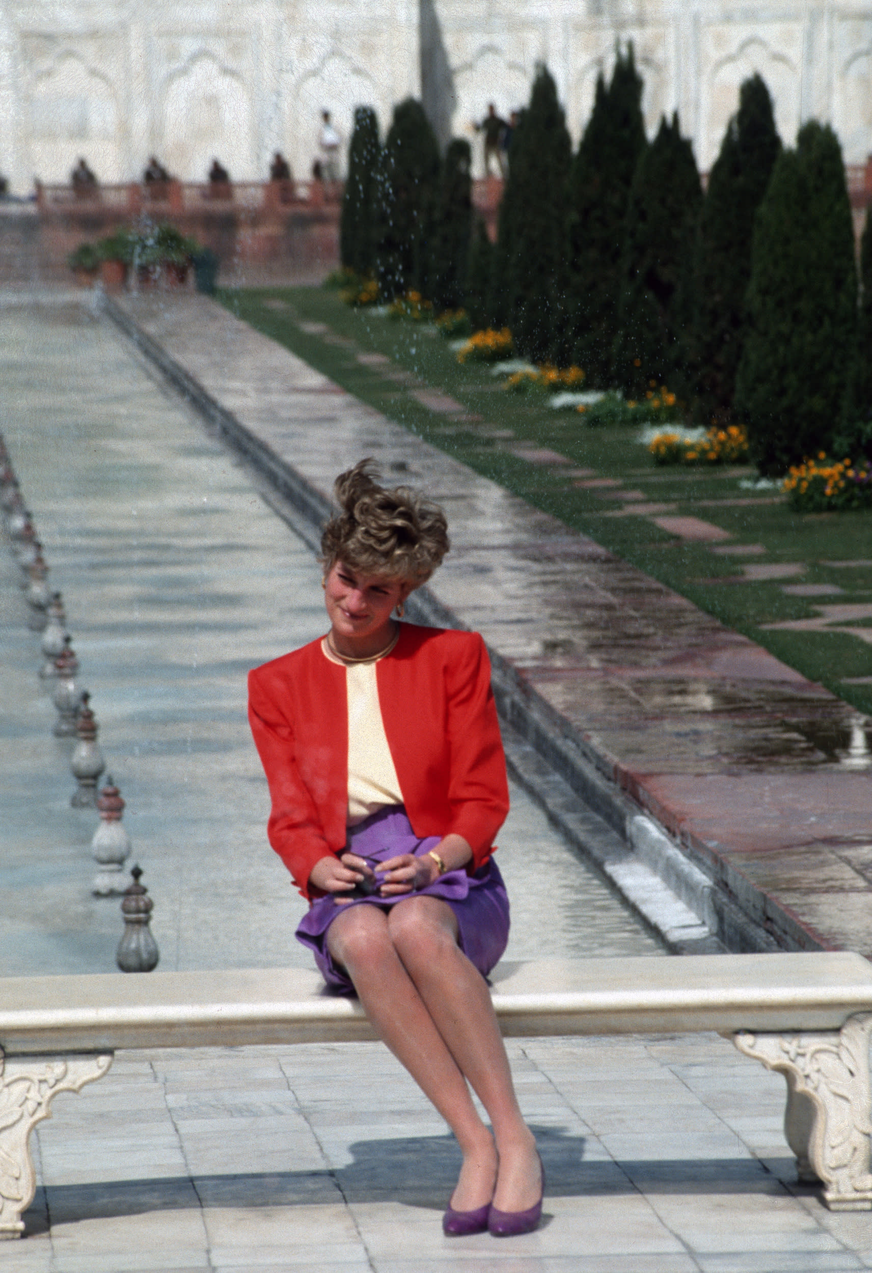 Princess Diana is snapped in India.