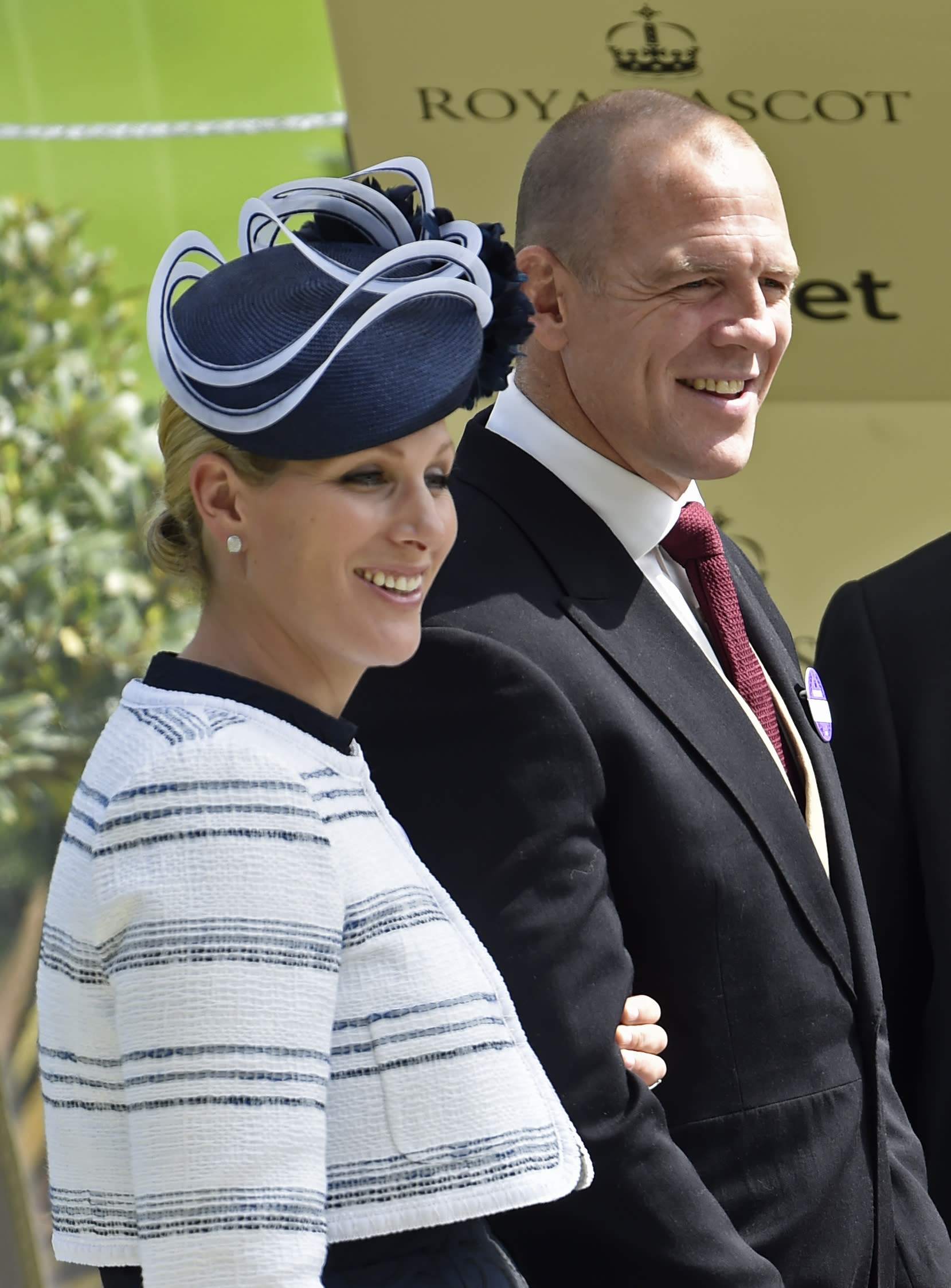 Horse Racing - Royal Ascot - Ascot Racecourse - 19/6/15 Zara Phillips and husband Mike Tindall as they wait to present a trophy Reuters / Toby Melville Livepic