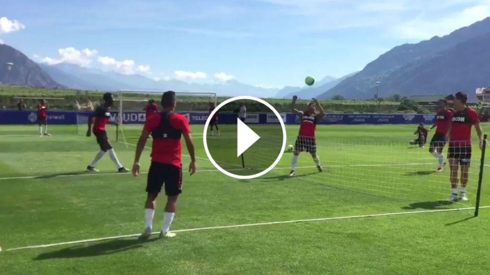 VIDEO: Falcao demuestra su clase hasta en el fútbol-tenis