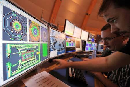 World's largest computing grid lives to go live