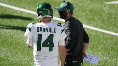 Gase standing by Darnold despite early struggles