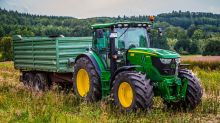 Deere Plummets on Earnings Miss and Weak Guidance