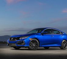 View Photos of the 2020 Honda Civic Si