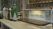 Pope Francis visits John Paul II's tomb