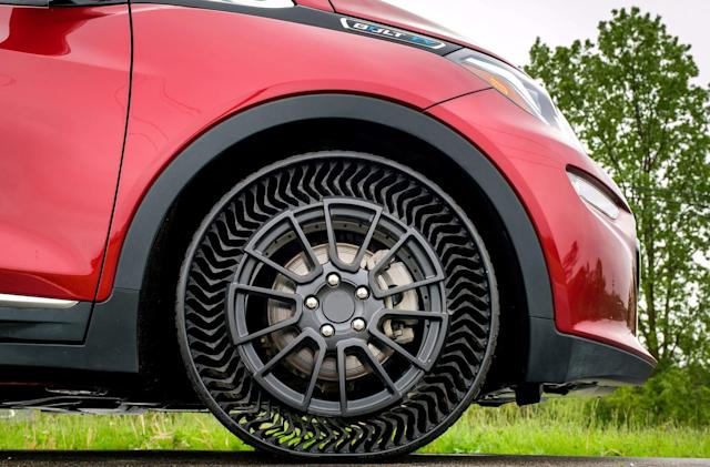 GM and Michelin will bring airless tires to passenger cars by 2024