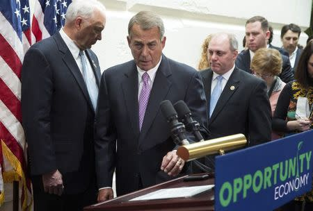 Speaker of the House John Boehner (R-OH) steps to the podium to speak about funding for the Department of Homeland Security during a news conference on Capitol Hill in Washington February 25, 2015. REUTERS/Joshua Roberts