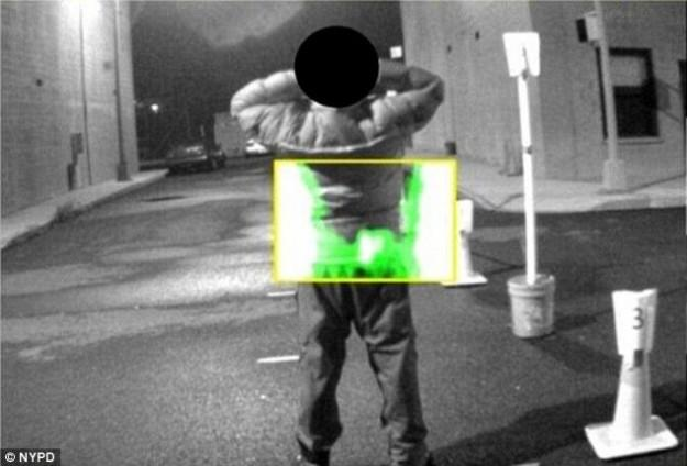 NYPD body scanner tells cops if a suspect on the street has a gun