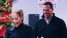 Jennifer Lopez lleva donativos y movimiento #TimesUp a Puerto Rico