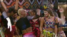 """BBB19: Hariany diz que lambeu o suor da cantora Iza: """"é doce"""""""