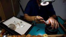 以色列珠寶商打造鑲鑽口罩 要價150萬美元