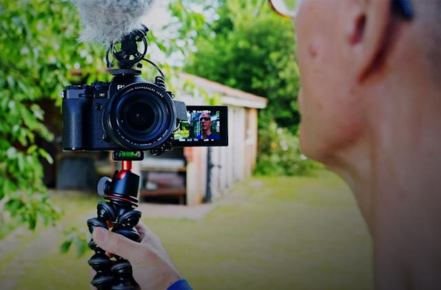 How to buy a vlogging camera