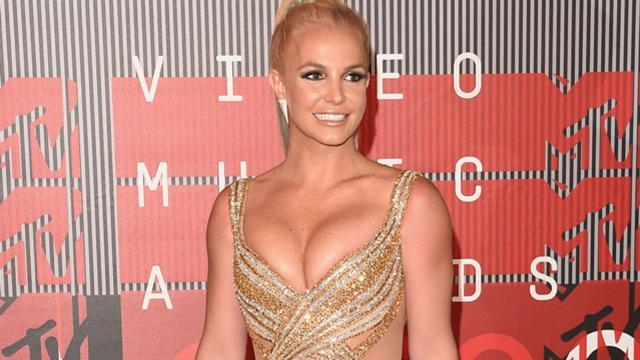 Britney Spears Seeks Out a Well-Endowed 'Hot Nerd' During Vegas ...