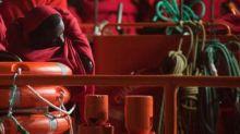 Migranti, naufragio al largo della Libia: in mare altri 10 cadaveri