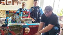 Geburtstagsgeschenke für Baby werden gestohlen: Die Polizei greift auf ungewöhnliche Art ein