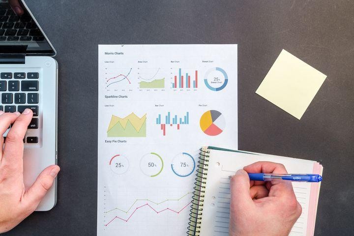Want a competitive edge in the job market? Master big data.