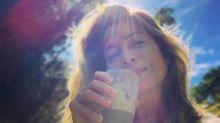 Letícia Spiller divide cuidados da sua rotina de beleza em casa: 'Passei a dar mais importância por volta dos trinta'