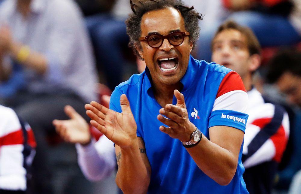 """Coupe Davis: 2-0 pour la France, """"un bon petit bonheur'' pour Noah"""