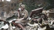 'When life still carried on!' Amazing 1941 colour pictures show defiance of the Blitz